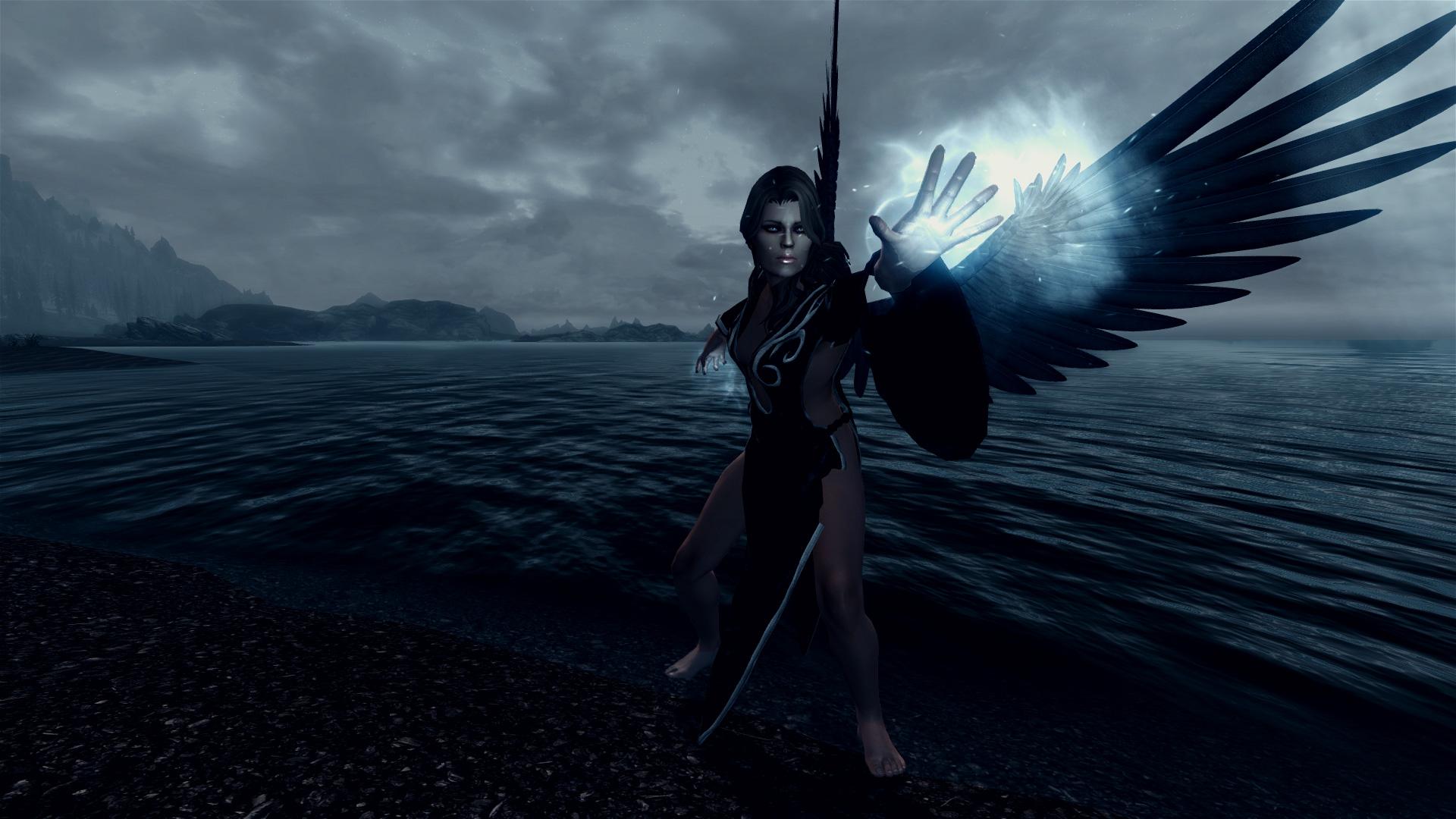 Ангельские нимбы и демонические рога \ angelic halos and demonic.